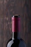 3 закрыли бутылки красного вина Стоковая Фотография