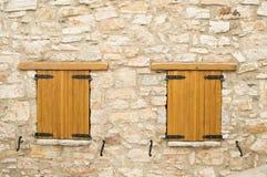 2 закрыли деревянные окна Стоковые Изображения RF