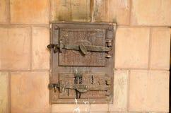 2 закрыли старые деревенские двери печи Стоковая Фотография RF