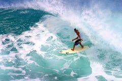 закулисный заниматься серфингом трубопровода mikala jones Стоковые Изображения