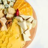 закуска вкусная Плита сыра Стоковые Изображения RF