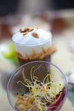 Закуски и verrines десерта стоковая фотография rf