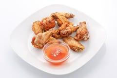 Закуски, крыла цыпленка с сладостным соусом чилей стоковое фото rf
