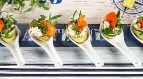 Закуски рыб - Fingerfood с семгами стоковые изображения