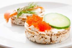 Закуски с красными рыбами и красной икрой Стоковая Фотография RF
