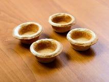 закуски хлеба на блюде на таблице Стоковое Изображение