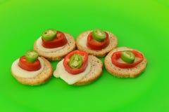 Закуски хлеба, сыра и перца Стоковые Изображения