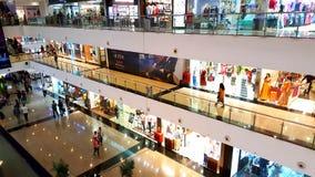 Заклеймленные магазины в торговые центры в Мумбае стоковое фото rf