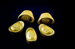 Заклиньте золотой ингот клина китайца золотого золотого ингота wedding золотой Стоковое фото RF
