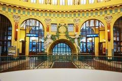Зала главного ж-д вокзала Праги стоковая фотография