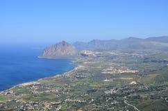 Залив взгляда Cofanor держателя Bonagia от Erice стоковая фотография