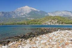 Залив и горы моря. Стоковые Фотографии RF