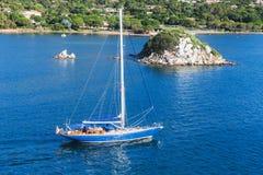 Залив Порту-Vecchio, остров Корсики, Франция стоковая фотография