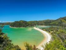Залив словоизвержения, национальный парк Abel Tasman Новая Зеландия стоковая фотография
