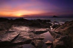 залив устанавливает заход солнца стоковые фото