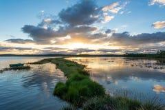 Залив Arcachon, Франция Луга соли Ares на заходе солнца Стоковое Изображение RF