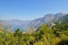 Залив Kotor и горы стоковая фотография rf