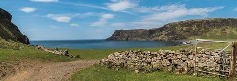 Залив Talisker, остров Skye, Шотландии стоковые фото