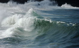 Залив Waimea ломая волны Стоковое Изображение RF