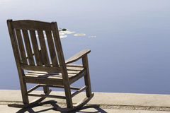 заманчивость тиши озера города Стоковое фото RF