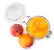 Замаринованные абрикосы изолированные на белизне Стоковые Изображения RF
