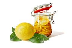 замаринованные лимоны опарника Стоковые Фотографии RF