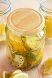 замаринованные лимоны опарника Стоковое фото RF