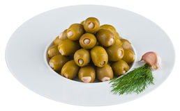 Замаринованные оливки в белой плите Стоковое Изображение