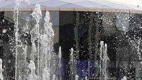 Замедленное движение фонтана акции видеоматериалы