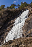 Замерзая водопад который летел от горы на Lachen Северный Сикким, Индия Стоковое фото RF