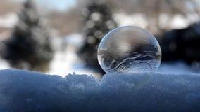 Замерзая пузыри в замедленном движении Зима 2017 видеоматериал