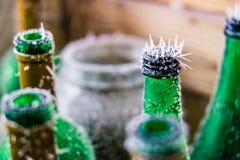 замерли бутылки, котор стоковые изображения