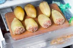 Замерли заполненный перец в замораживателе Стоковые Изображения RF