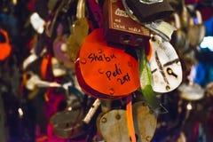 Замки в форме сердца - символа влюбленности Стоковые Фотографии RF