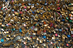 Замки влюбленности на мосте Парижа Стоковое фото RF
