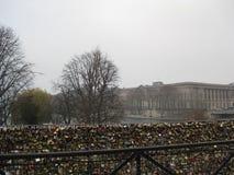 Замки любов на Pont des Arts, Париже стоковая фотография rf