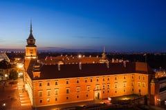 Замок Варшавы королевский на ноче в Польше Стоковое фото RF