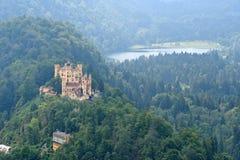 Замок в баварских Альпах, Германия Hohenschwangau Стоковое Изображение