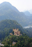 Замок в баварских Альпах, Германия Hohenschwangau Стоковые Фотографии RF