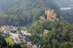Замок в баварских Альпах, Германия Hohenschwangau Стоковые Фото