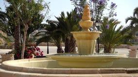 Замок в Испании с фонтаном сток-видео