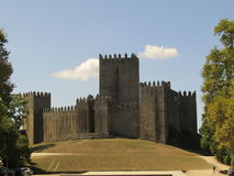 Замок в холме стоковые фотографии rf