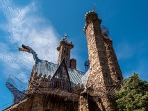Замок епископов против голубых небес Стоковая Фотография