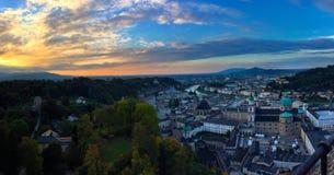 Замок Зальцбурга в панораме Стоковые Фото