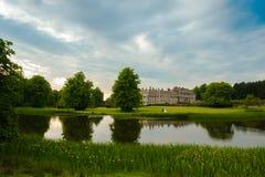 Замок и озеро Стоковая Фотография
