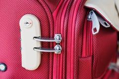 Замок комбинации на сумке перемещения чемодана Стоковое Изображение
