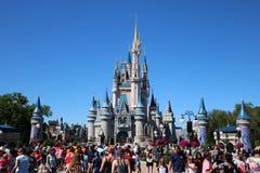 Замок королевства Disneyworld волшебный стоковое изображение
