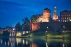 Замок Краков & голубой час стоковые фото