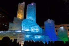 Замок льда популярная привлекательность в городском St Paul, минута стоковые фото