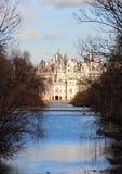 Замок на конце парка пруда публично Стоковые Фото